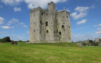 Trim_Castle_in_ruin_in_Ireland_4jpg_100